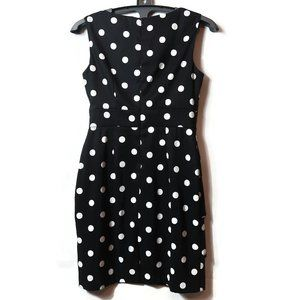 % Women's Connected Apparel Size 6